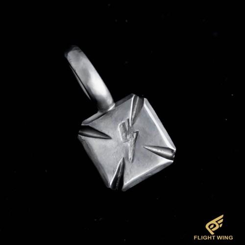 【NEW】Iron Cross Metal / Stop Light